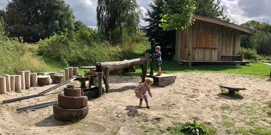 Groningen met kinderen | Speelbos en theefabriek Houwerzijl | Kleine Reizigers