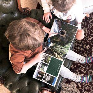 Kleine Reizigers   Staycation tip 5   Maak samen jullie vakantie fotoboek